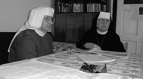 Inicencia házfőnök és Agapita nővér