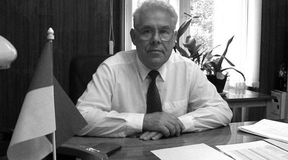 V. Marinec, az UNE prorektora