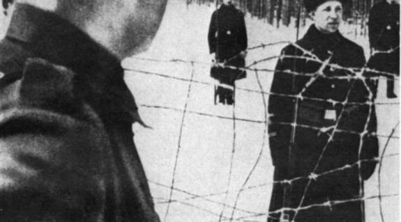 Az 1944 novemberében sztálinista lágerekbe hurcolt ártatlan magyar és német férfiakra emlékezünk