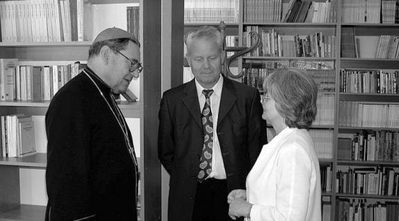 Dr. Seregély István egri érsek és Kristofori Olga, a líceum igazgatója