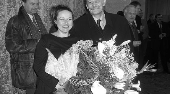 Szűcs Nelli művésznő és Tóth János nagykövet