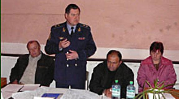 Petro Oszipenko altábornagy tájékoztat