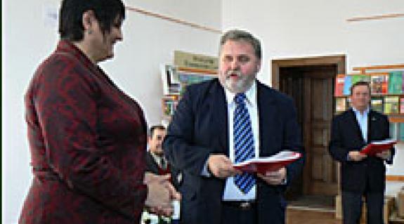 Dr. Orosz Ildikó elnök asszony és Gőgös Zoltán államtitkár