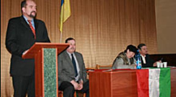 Brenzovics László alelnök beszéde Técsőn