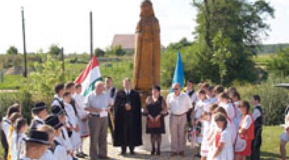 Megnyitó a Szent István-szobornál