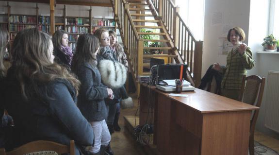 Ismerkedés a könyvtárral