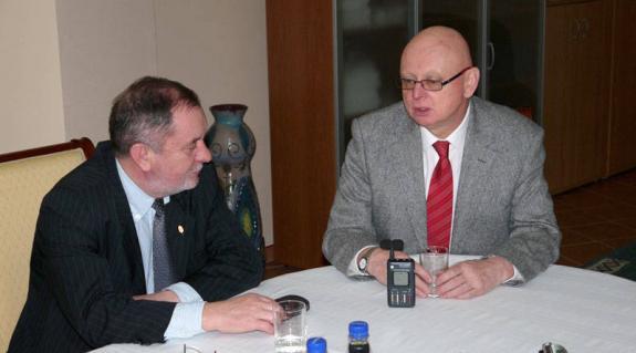 Tóth István főkonzul és Bayer Mihály nagykövet