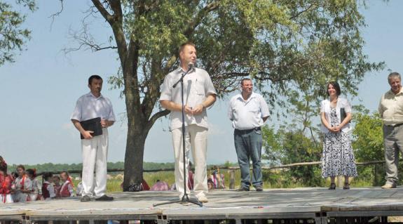 Kovács Miklós köszönti a résztvevőket