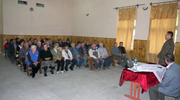 Kovács Miklós parlamenti képviselőjelölt találkozója a badalóiakkal