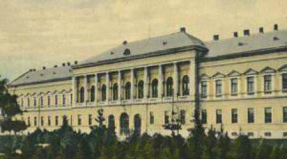 Az egykori beregszászi vármegyeház – archív felvételen