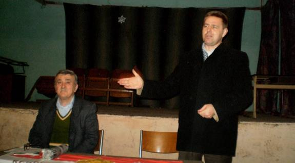 Gerendely Béla és Kovács Miklós tájékoztatja a tagságot