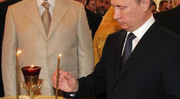 Janukovics és Putyin negyedóra alatt áttekintették a tárgyalások napirendjén szereplő kérdéseket, majd Putyin Medvedcsukhoz sietett.