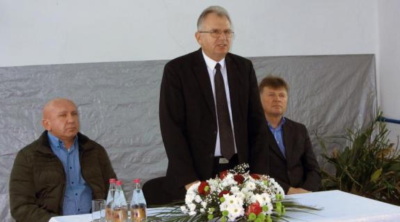 Rezes Károly, Virág László és Barta József a tiszapéterfalvai gyűlésen