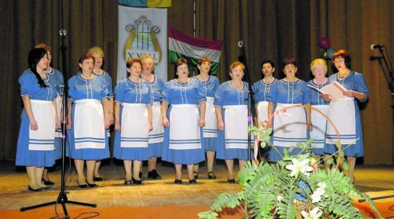 A Técsői Arany Ősz Művelődési Egylet női kórusa