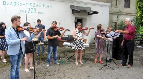 A Tiszaújlaki Művészeti Iskola fellépői