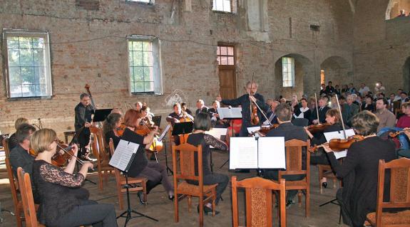 A Mendelssohn Kamarazenekar koncertje a nagyszőlősi zsinagógában