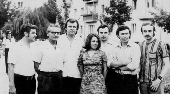 Fiatal alkotók Ungváron 1973-ban (balról jobbra): S. Benedek András, Kovács Vilmos, Szakolczay Lajos (Budapestről), Borbély Edit, Fodó Sándor, Balla Gyula, Zselicki József