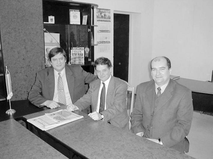 Felvételünkön (balról jobbra) Zsupán József, dr. Schiffer János és Brenzovics László a beregszászi polgármesteri hivatalban