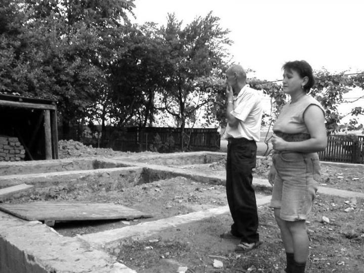 Kucin János és lánya a baleset színhelyén