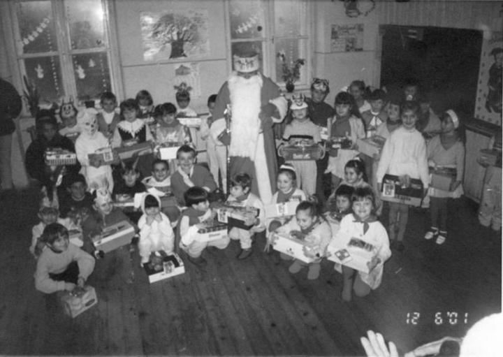 A Beregszászi 6. Számú Általános Iskolába a Mikulás hozta a Gólyahír-csomagokat