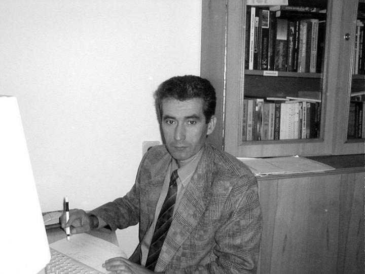 Dr. Kobály József