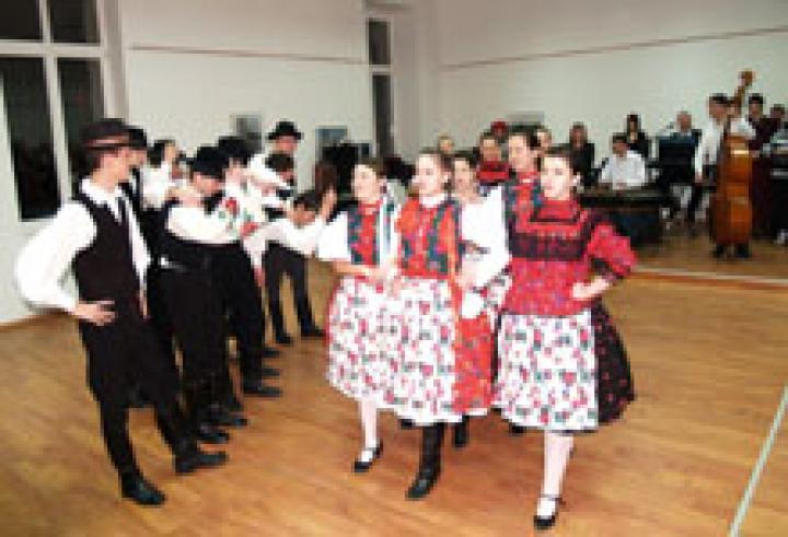 A Hímes Néptáccsoport csinált kedvet a tánchoz