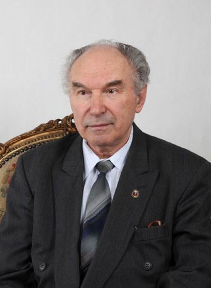 Dr. Szikura József