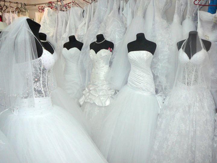 Menyasszonyiruha-divat régen és most c4d699fbbd