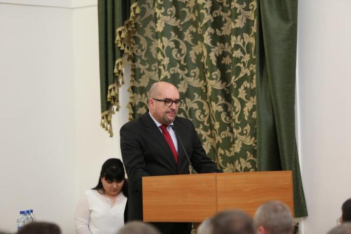 Dr. Brenzovics László
