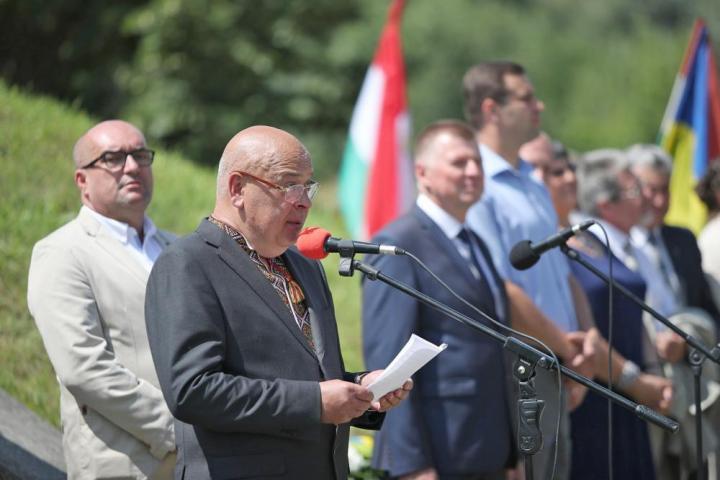 Hennagyij Moszkal magyarul is köszöntötte az ünneplőket