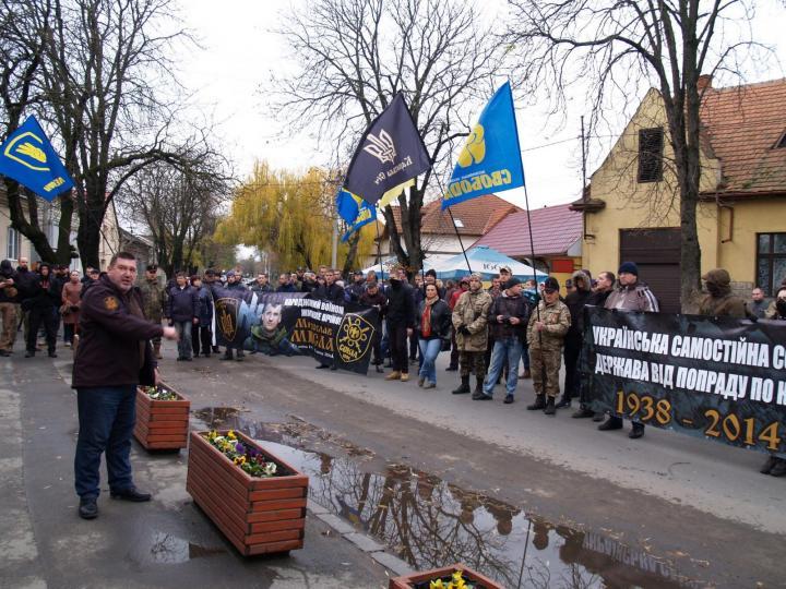 Oleh Kucin a konzulátust védő rendőröket fenyegeti