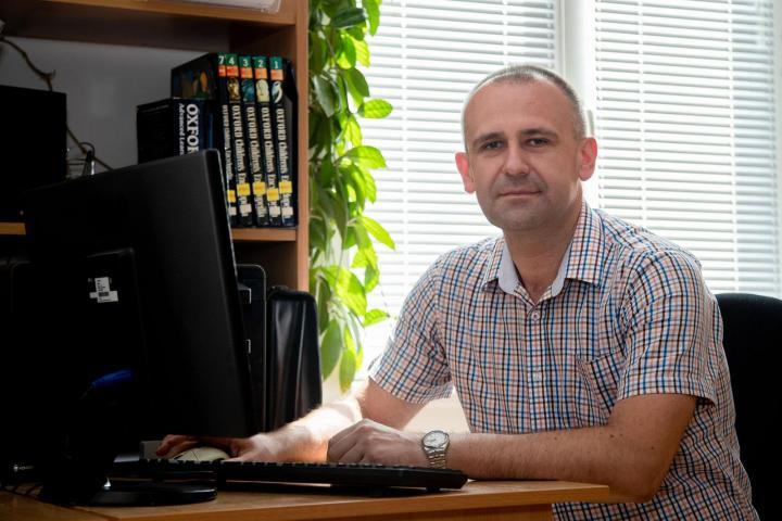 Bárány Béla, a Rákóczi-főiskola felvételi bizottságának titkára