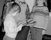Eiben Margaréta iskolás- és óvodáskorú dédunokáival