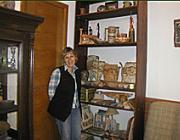 Hrabár Natália keramikus (Ungvár), a Révész Imre Társaság és az Ukrajnai Iparművészek Szövetségének tagja