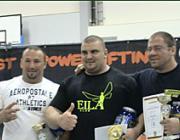 Szerhij Oleolenko (középen)
