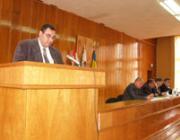 Heé Roland, a KMKSZ–UMP beregszászi járási frakciójának vezetője felolvassa a frakció nyilatkozatát