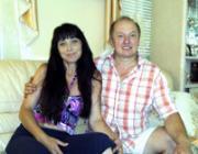 Néma Lajos, egykori tanár, jelenleg vállalkozó, feleségével