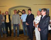 A munkácsi várban rendezett kiállítás megnyitóján Riskó György, a RIT alelnöke mond beszédet