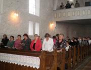 Az istentisztelet résztvevőinek egy része