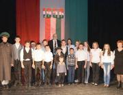 A Nagymuzsalyi Középiskola Tárogató hagyományőrző csoportja dr. Tilki Attilával