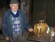 Salánk legelismertebb bodnára az 1936-os születésű Sipos Béla bácsi.