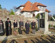 Az ungvári emlékműnél