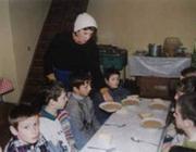 A técsői ingyenkonyhán (www.caritas-transcarpathia.com)